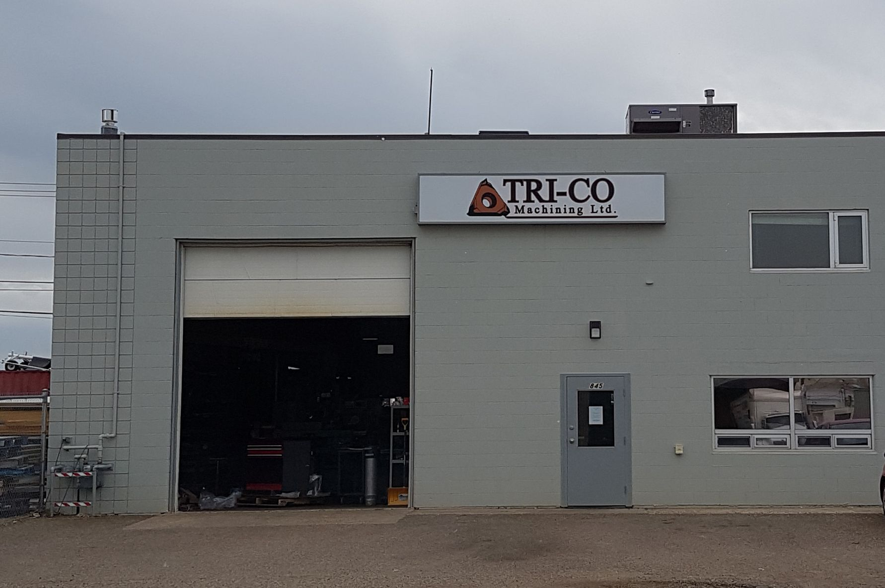 Tri-co illuminated sign